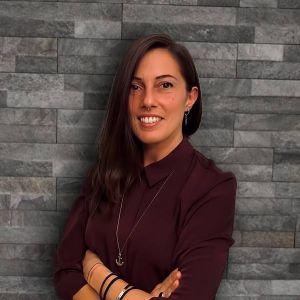 Maria Claudia Celadin(Social Media & Digital)